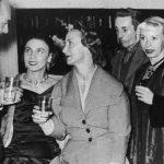 """Ricardo acompañado de las grandes figuras del """"Ballet Russe"""": Natalie Krassovska, Tatiana Grantzeva, Nathalie Clare, y George Zoritch, que actuaron en el Teatro Municipal a mediados de los años 50´s."""
