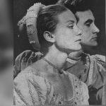 """Los rostros de los protagonistas Saby Kamalich y Ricardo Blume en la obra """"Romeo y Julieta"""" de William Shakespeare, estrenada en 1964 en el Teatro Municipal."""